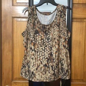 neutral colored scoop neck tank.